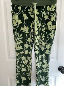 WOMENS COZY CROP PANTS LULAROE CRYSTAL-Poly Spandex GREEN FLORAL SIZE SMALL-NWT
