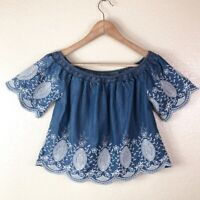 Romeo & Juliet Couture Women's S Small Blue Chambray Cropped Embroidered Top