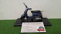 VESPA  125 ET4 1996 bleu métal au 1/18 MAISTO 39540 moto miniature de collection
