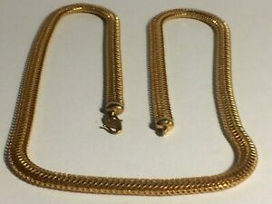 22 CT GOLD HEAVY 22.1/2,IN. NECK CHAIN, 29.30,GRAMS, WORLDS LONGEST CHAIN,DUBAI