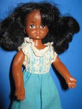 B358-Vieille Barbie Carla AA la peau sombre 60er dans longtemps Turquoises Vintage robe