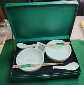 COLLECTIBLE DISCOVERY CHANNEL NOODLE BOWL SET NEVER USED