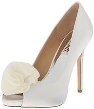 Badgley Mischka Amber White Silk Ruffle Pump - Size 7 M - NEW IN BOX!
