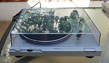 TECHNICS SL D2 - DIRECT DRIVE TURNTABLE - NEAR IMMACULATE