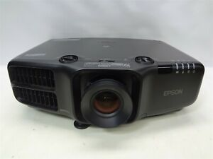 Epson Pro G6900WU 5000:1 6000 ANSI Lumens LCD Video Projector w/Lamp *No Remote*
