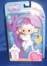 WOWWEE AUTHENTIC FINGERLINGS SOPHIE WHITE BABY MONKEY, NEW