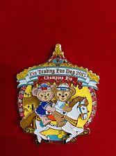 HKDL Duffy & Shellie May merry-go-round Jumbo Pin LE 1000 (PTD Disney)