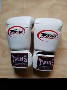 TWINS MUAY THAI  BOXING GLOVES 12OZ