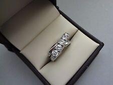 GORGEOUS 14K WHITE GOLD 1.00 TCW ROUND 5 STONE DIAMOND CRISS CROSS BAND RING