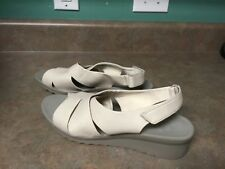Clarks Caddell Bright Low Wedge Heel Slingback Sandals Size 10W (CON18)