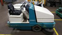 Tennant 6550 Electric Ride On Industrial Floor Sweeper