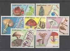 Timbres Champignons Guinée Bissau 475/81 ** lot 9742