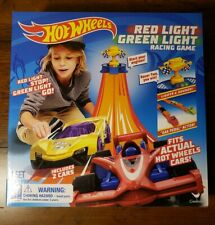 Hot Wheels Red Light Green Light Racing Game
