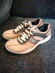 Clarks Ladies Wave Walk Shoes Size 6D