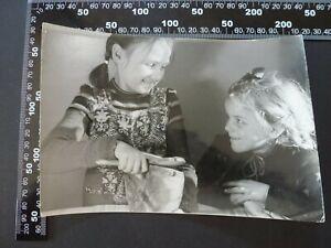 Foto XL , Dipl. Ing. Joseph Jeiter hübsche Mädchen lachen  , 240821-38