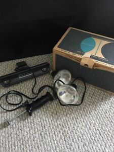 Collector Classic Antique Bell And Howell Movie Flood Lights With Bulbs