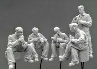 1:35 German Panzer Crew At Rest WWII Resin Model Kit 1/35 Scale (5 Figures)