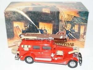 Matchbox Models of Yesteryear 1933 Cadillac Fire Wagon Truck YFE03