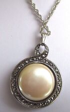 pendentif chaîne bijou vintage double face couleur or blanc perle nacrée 254