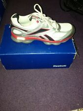 Reebok Runprime Mens Size 6 Grey/Silver And Red Sneakers