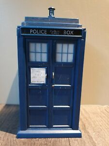 DOCTOR WHO Tardis Model with Light and Sound effects