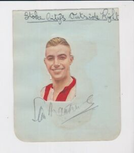 FOOTBALL CLUB 1943-44 SIGNED AUTOGRAPH ALBUM PAGE NUMBER 17