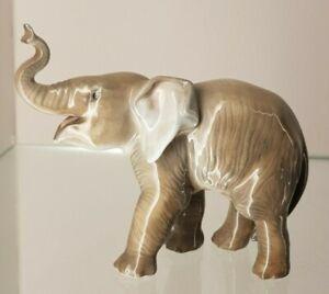 Rosenthal Figur Kleiner Elefant Modell 1146 Ent.: Theodor Kärner für Allach 1. W
