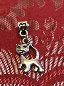 GORGEOUS LIGHTLY USED SILVER TONE CAT DANGLE CHARM FOR BRACELETS OR NECKLACES