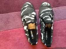 Zoo York, size 7, camouflage pumps