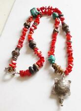 VINTAGE CORAL COLOURED TURQUOISE DYED BEADS & STONE SILVER TONE TURTLE NECKLACE