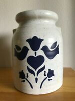 Vintage Harris Pottery V9573 Glaze Crock/Vase WMBS Heart Off-White & Blue