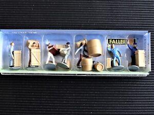Faller H0 Figuren 151001 Transportarbeiter mit Ladegut f. Modellbahn Anlage etc.