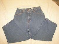 Women's Bill Blass Denim Capri Jeans - Size 10 - Easy Fit