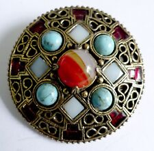 A VINTAGE 1950s GOLD TONE MIRACLE BROOCH WITH MULTI-COLOURED GLASS STONES