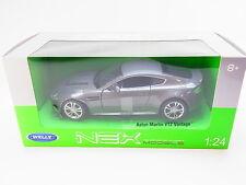LOT 30103 Welly 21535 Aston Martin V12 Vantage Die-Cast Modellauto 1:24 NEU OVP
