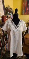 Vintage Petra Fashions Nightgown USA Sz.M Sleepwear Blue Floral Lace