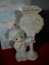 $ Precious Moments Sugar Town Population 9 Sign Christmas Collectables .