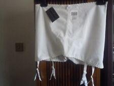 Un nouveau avec Étiquettes Blanc Corset. Tailles 35 -36 W 46 - 48Hip