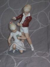 ancienne et rare statuette d'enfant des années 60's en porcelaine de WALLENDORF