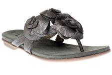 Sandali e scarpe infradito in argento per il mare da donna