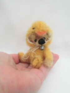 *LITTLE QUACKERS *A CUTE 4 INCH  JOINTED MOHAIR  BEAR*