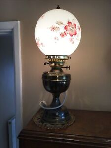 VINTAGE BRASS OIL LAMP - CONVERTED TO ELECTRIC LOVELY GLASS GLOBE