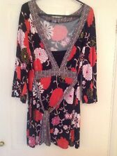 Very Pretty Floral Essence Top - Size 18