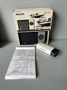 Philips MW-LW 90 RL 020 radio vintage new with case and headphones original box
