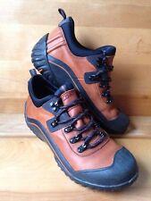 Clarks Muckers Leather Waterproof Boot Women's Shoe Size 6 M Tan Brown & Black