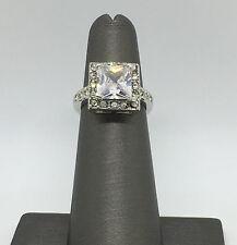925 Sterling Silver- CZ Statement Halo Ring Sz: 5 - 4.9G   #746