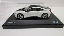 BMW i8    Crystal White  1:43