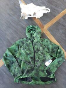 Nike Tech Pack Men's Hooded Running Jacket  Green BV5679 355 Size Medium