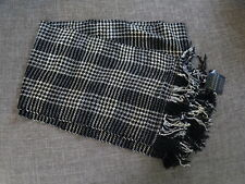 NWT Loominus Handwovens Chenille Scarf - Houndstooth Bar (Martini)