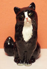 Royal Doulton Persian Black & White Sitting Cat Figurine Perfect Tuxedo England